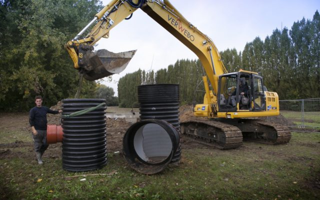 Deschacht realisatie | Afkoppeling regenwater Bekaertsite | grondwerken